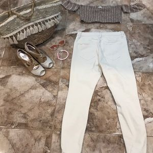 Free People Pants & Jumpsuits - NWOT Free People slightly destroyed Tight pants 💕